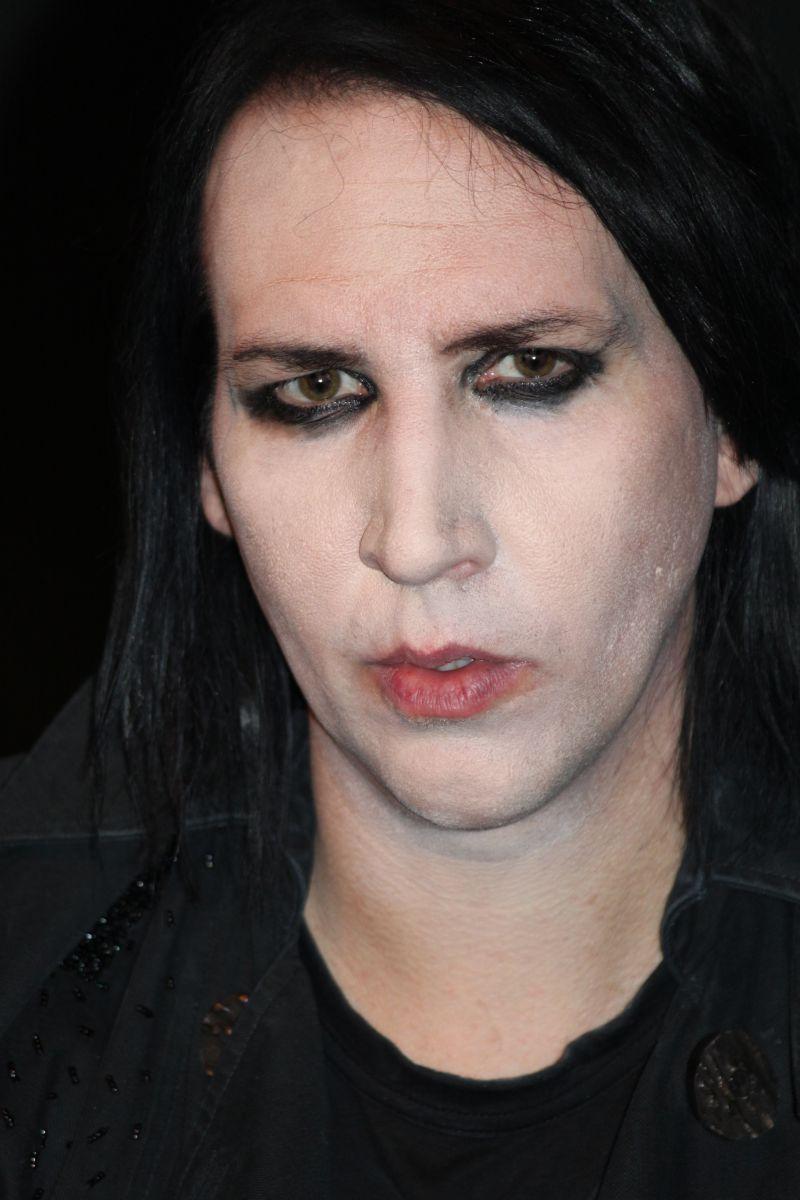 """Marylin Manson / """"Gwiazdy wierzą w duchy"""""""